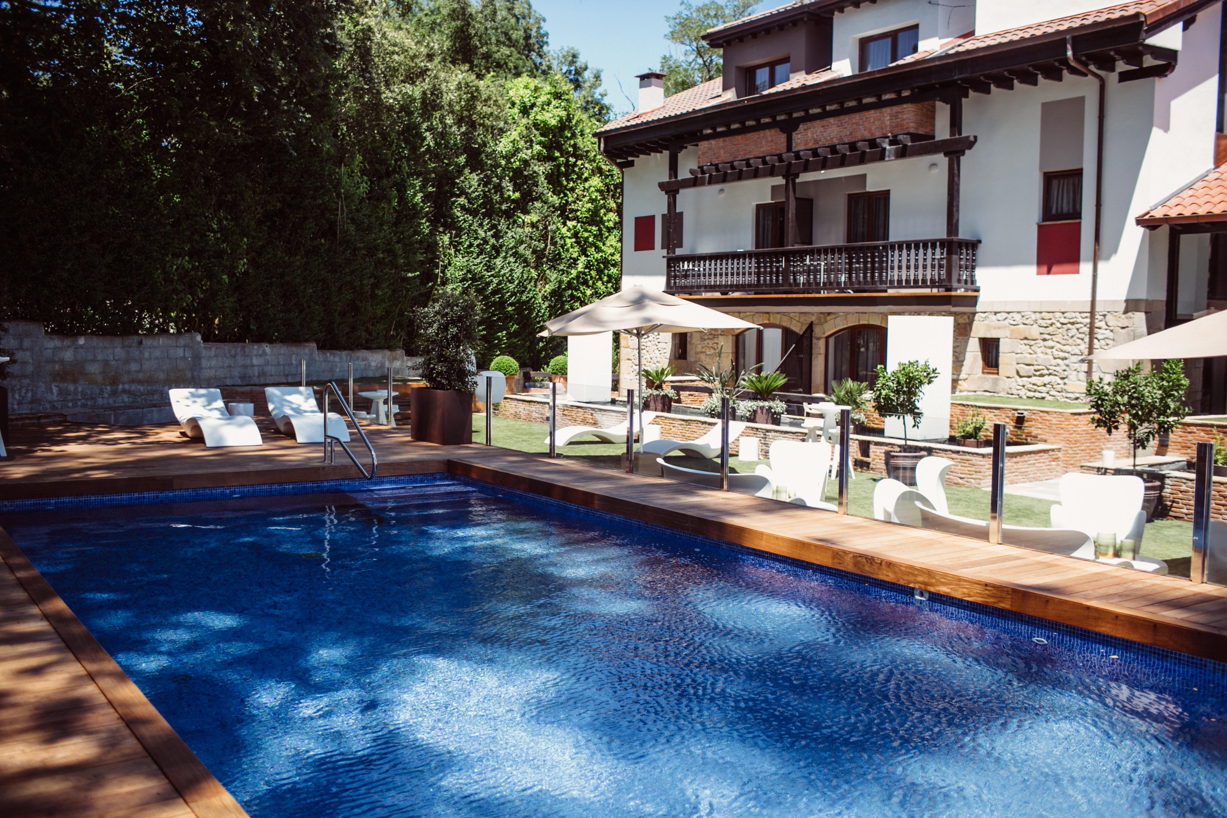 Hotel Cuevas Santillana del Mar_02
