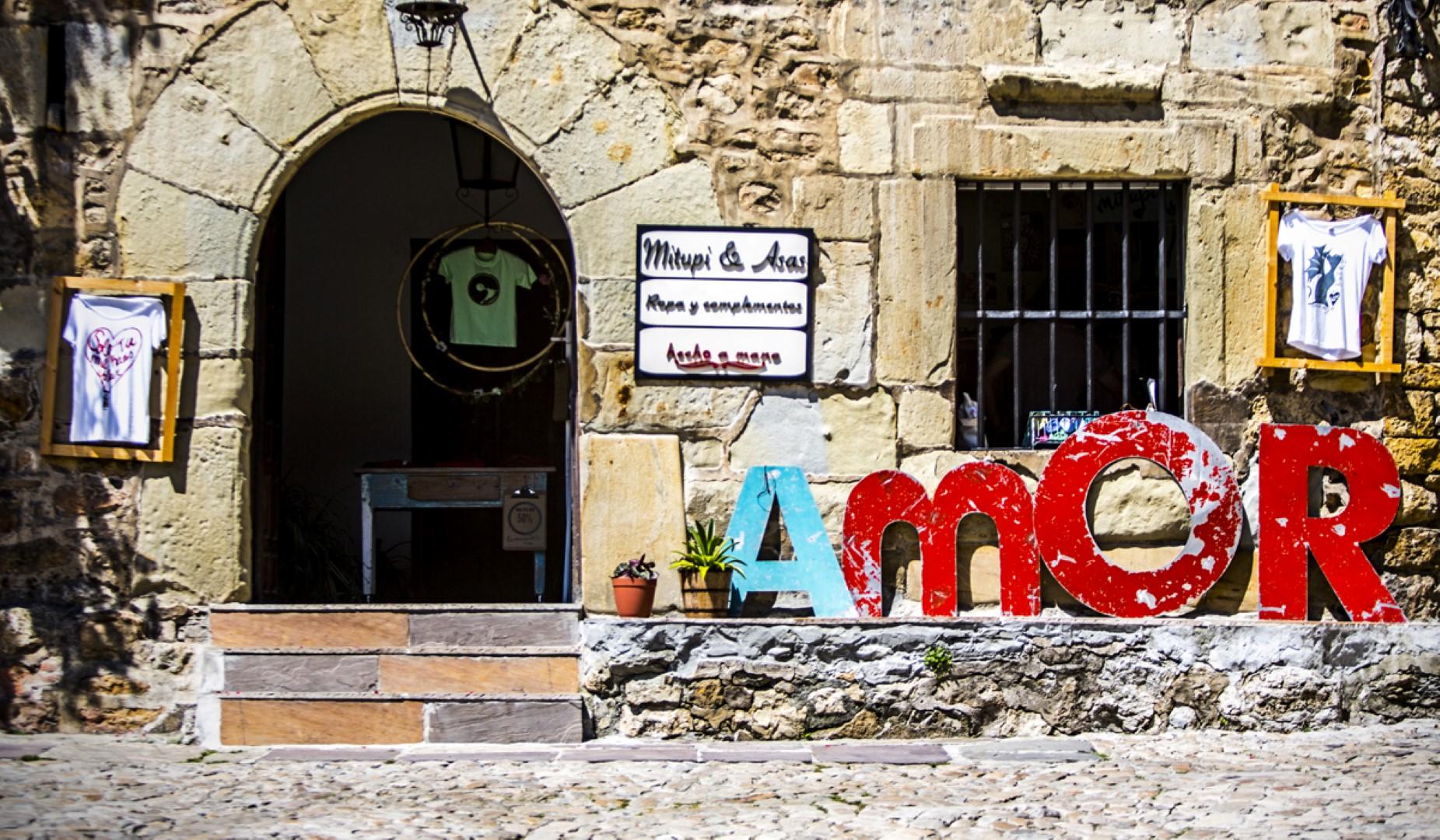 exposición 20 años de la marca Mitupi Carlos Martínez de las Cuevas